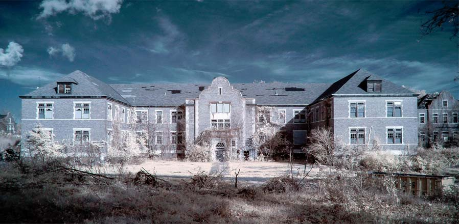 The Pennhurst Asylum looks like its right out of a horror movie.