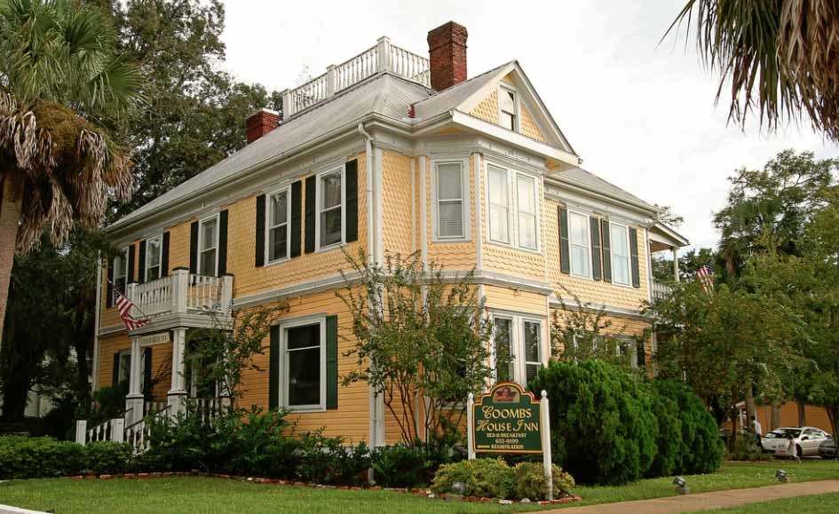 When Coombs House Inn was built in the early 1900s, it was known as the most elegant properly in the area. Now, it's known as one of the most haunted buildings in all of Florida.