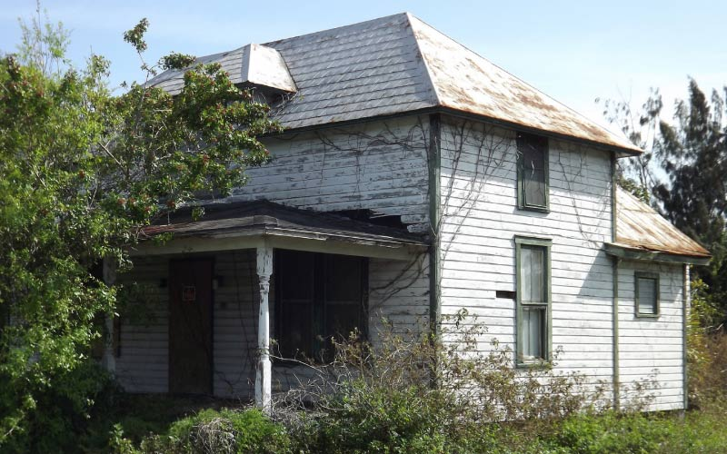 White City in Florida is still home to some old, old houses. They're abandoned, at least as far as the living are concerned.