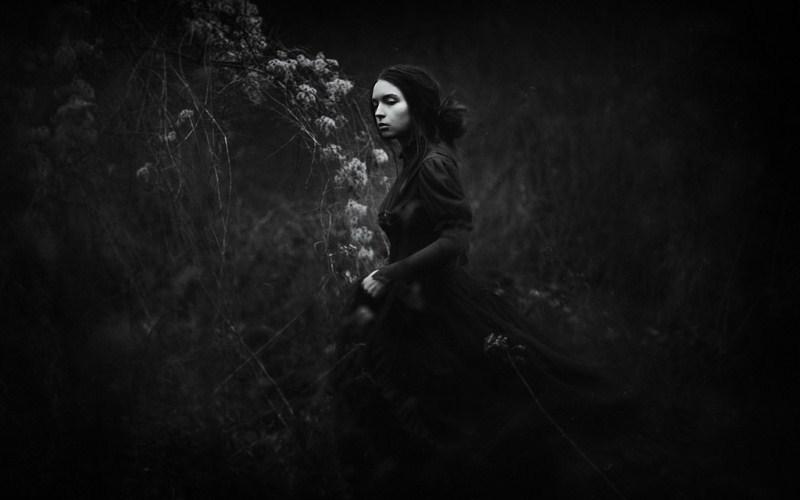 7 Treasured Fairy Tales With Dark and Violent Origins