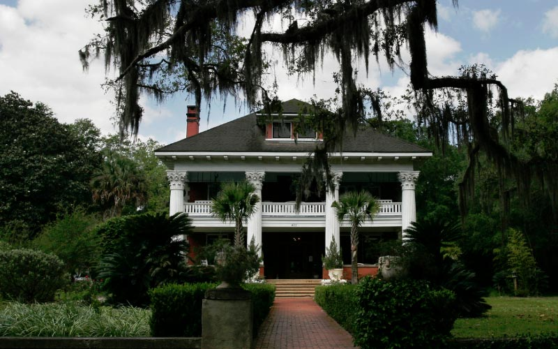 The Dead Will Speak To You At This Haunted Florida Mansion