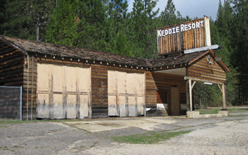 Echoes Of Grisly Murders Will Find A Way To Haunt You At This Abandoned California Resort