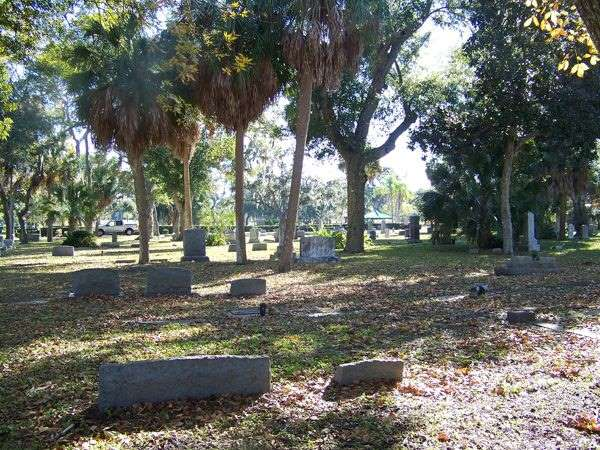 Today, all that remains of Anona, in Florida, is a church and a haunted cemetery