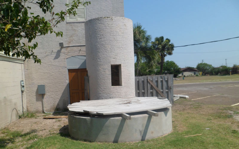 Museums are great places to learn about the past, but in at the Port Isabel Historical Museum the past doesn't want to stay in the dark.
