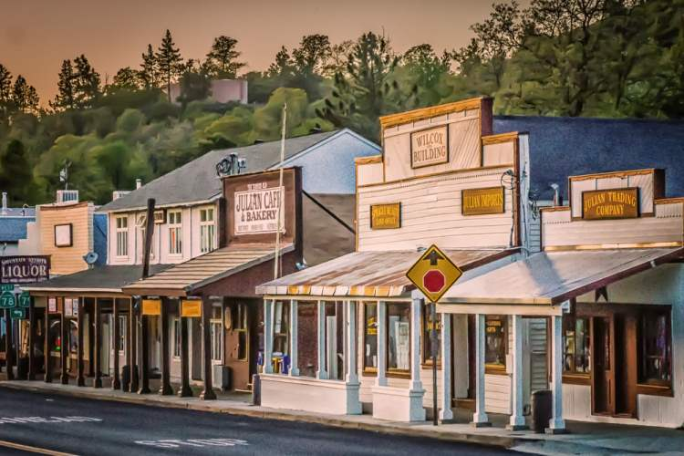Visit These 7 Haunted Southern California Small Towns at Your Own Risk