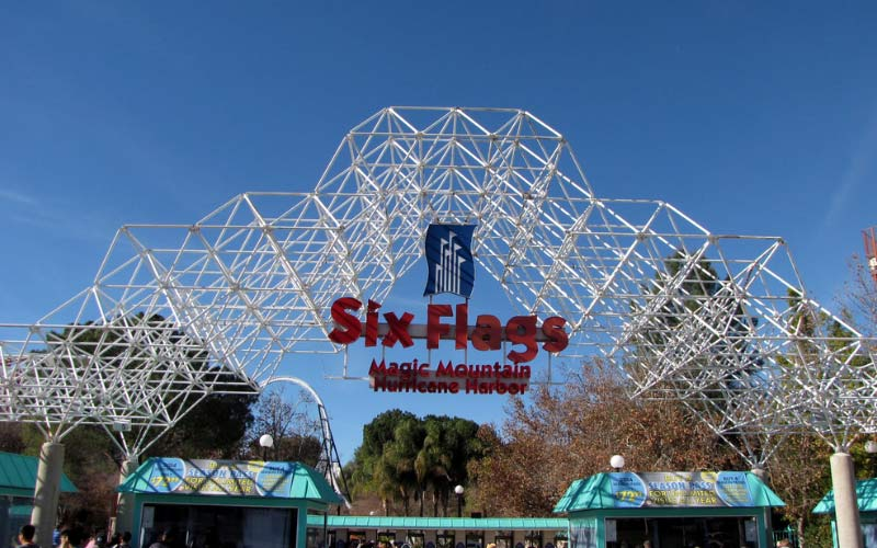Six Flags in Valencia, CA is a fun park, but once it gets a bit darker stay close to your loved ones.