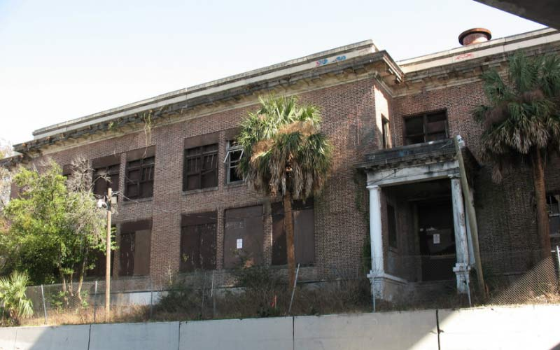 Annie Lytle School is a terrifying place, filled with sinister memories, and you can still feel the darkness if you get too close to this Jacksonville school.