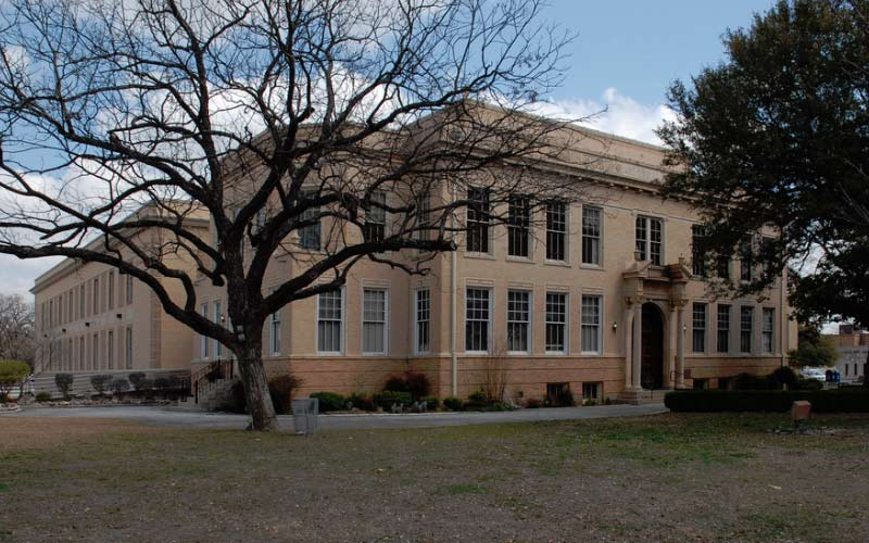 The Ghost Of A Murder Victim Lurks At This Texas Courthouse