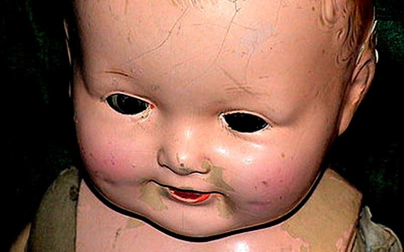 The Haunted doll of Joliet draws plenty of attention from thrillseekers and the downright foolish.