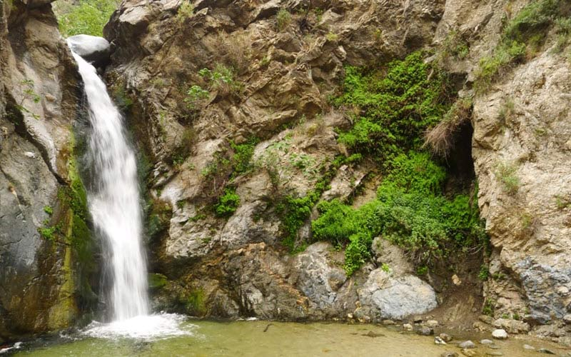 Pasadena's most haunted waterfall hikes are in Eaton Canyon.
