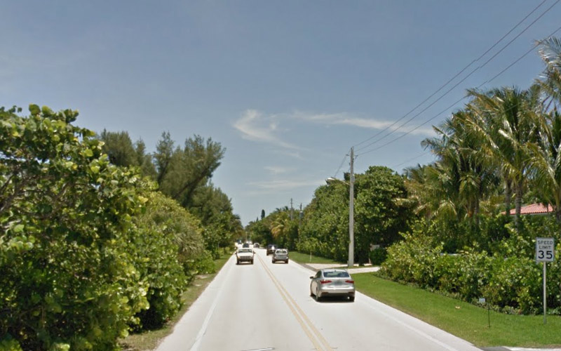 Florida A1A in Palm Beach takes you along the water front, where the nautical ghosts congregate.