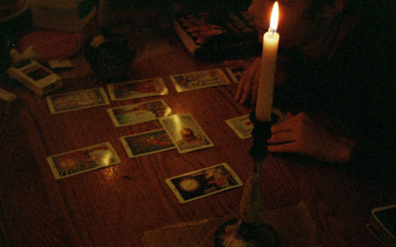 Preparing yourself mentally, and physically, for your first tarot reading...