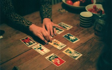 How-to-Read-Tarot-Cards-for-Yourself-and-Others-A-Beginners-Guide-375