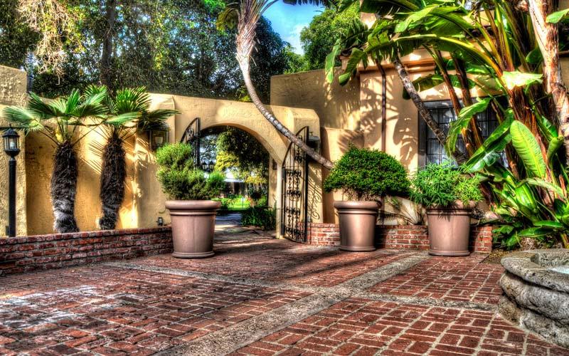 Something Evil Lurks in the Santa Maria Inn In Santa Maria CA