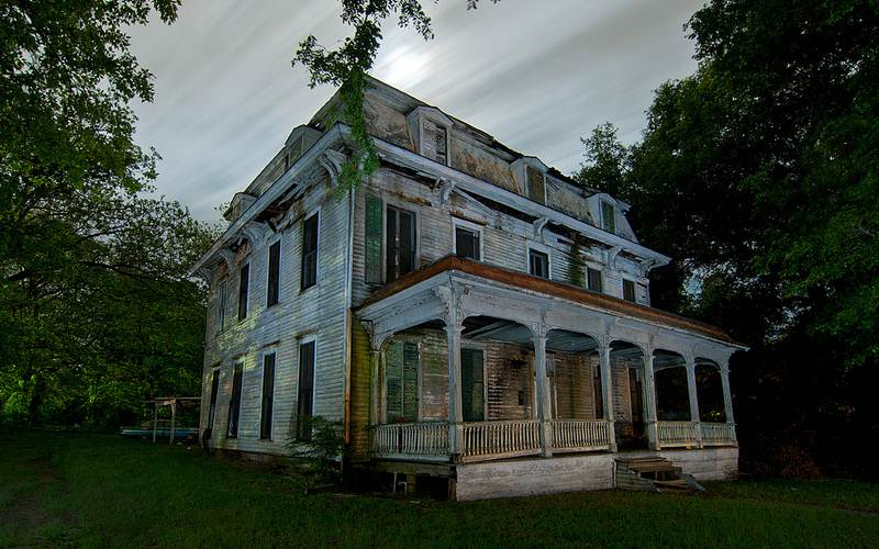 Only The Murderous Spirits Remain From This Former Haunted Texas Mansion