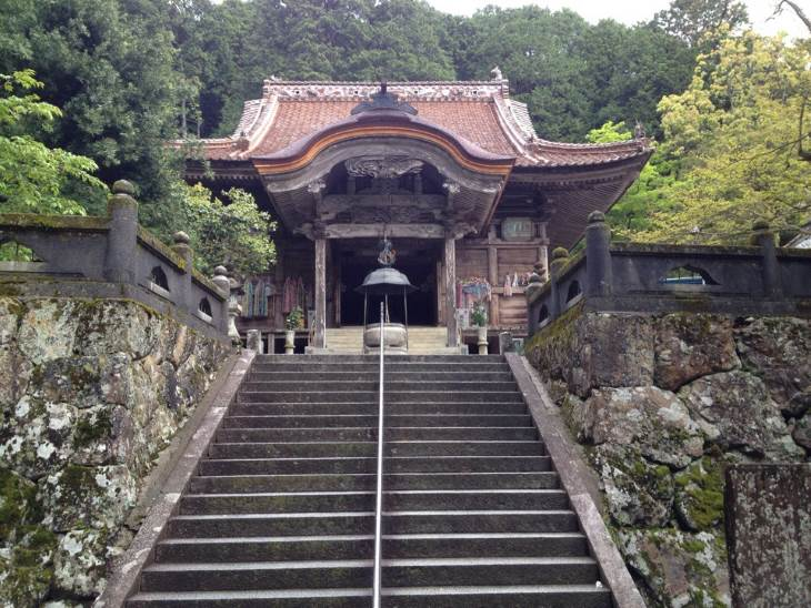 Temple-43-Meisekiji-on-the-Shikoku-Henro-trail-in-Japan