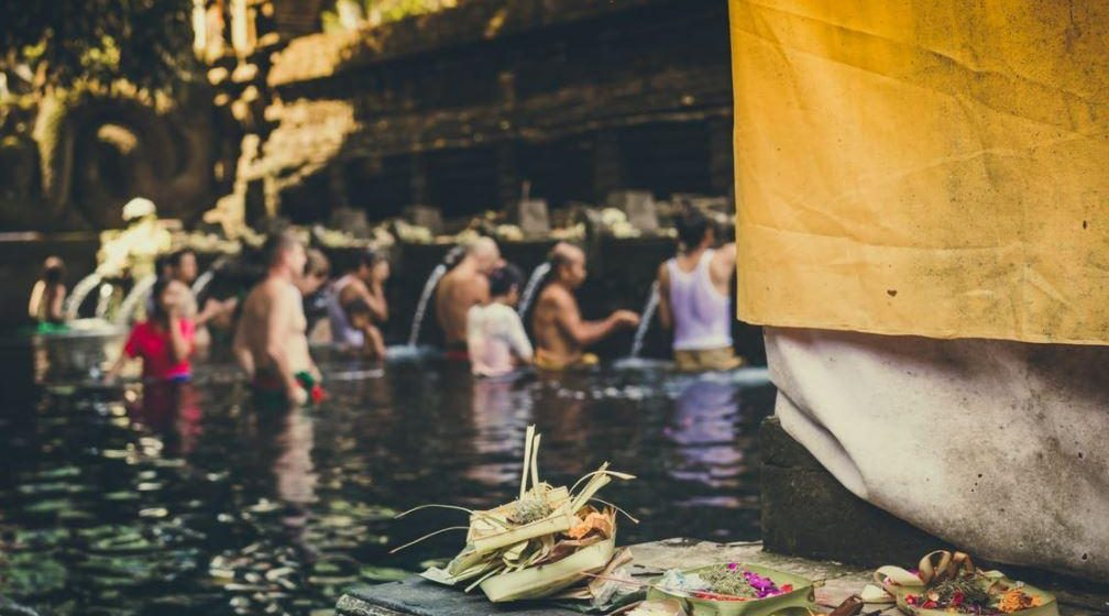 3 Spiritual Baths That Will Cleanse Your Aura (Truth Revealed!)