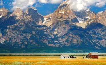 Yellowstone & Tetons Family Walking & Hiking Tour