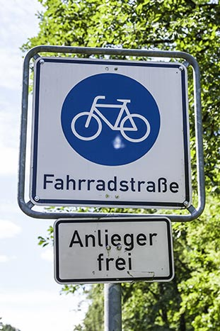 German bike path sign