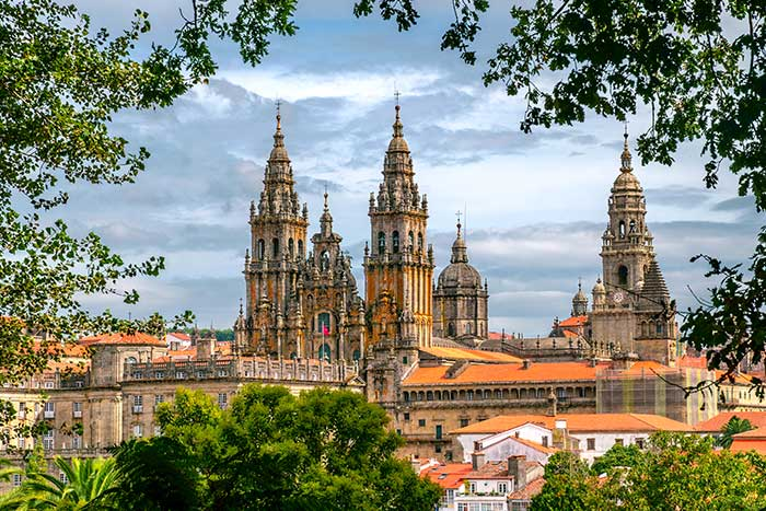 Camino de Santiago Walking & Hiking Tour
