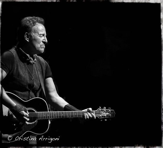 1a4db0d6d5ac Clocking in at almost exactly four hours, Thursday's mammoth set at MetLife  Stadium eclipsed Tuesday's homestand opener as Bruce Springsteen and ...