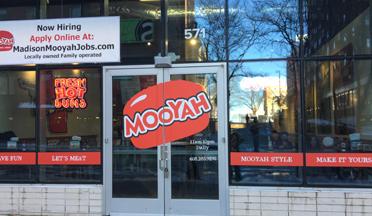 MOOYAH-burgers-Madison-WI-restaurant-exterior