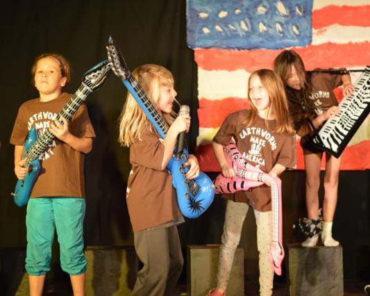 "Musical Play: ""Earthworms Make America Great"" - EART-PL"
