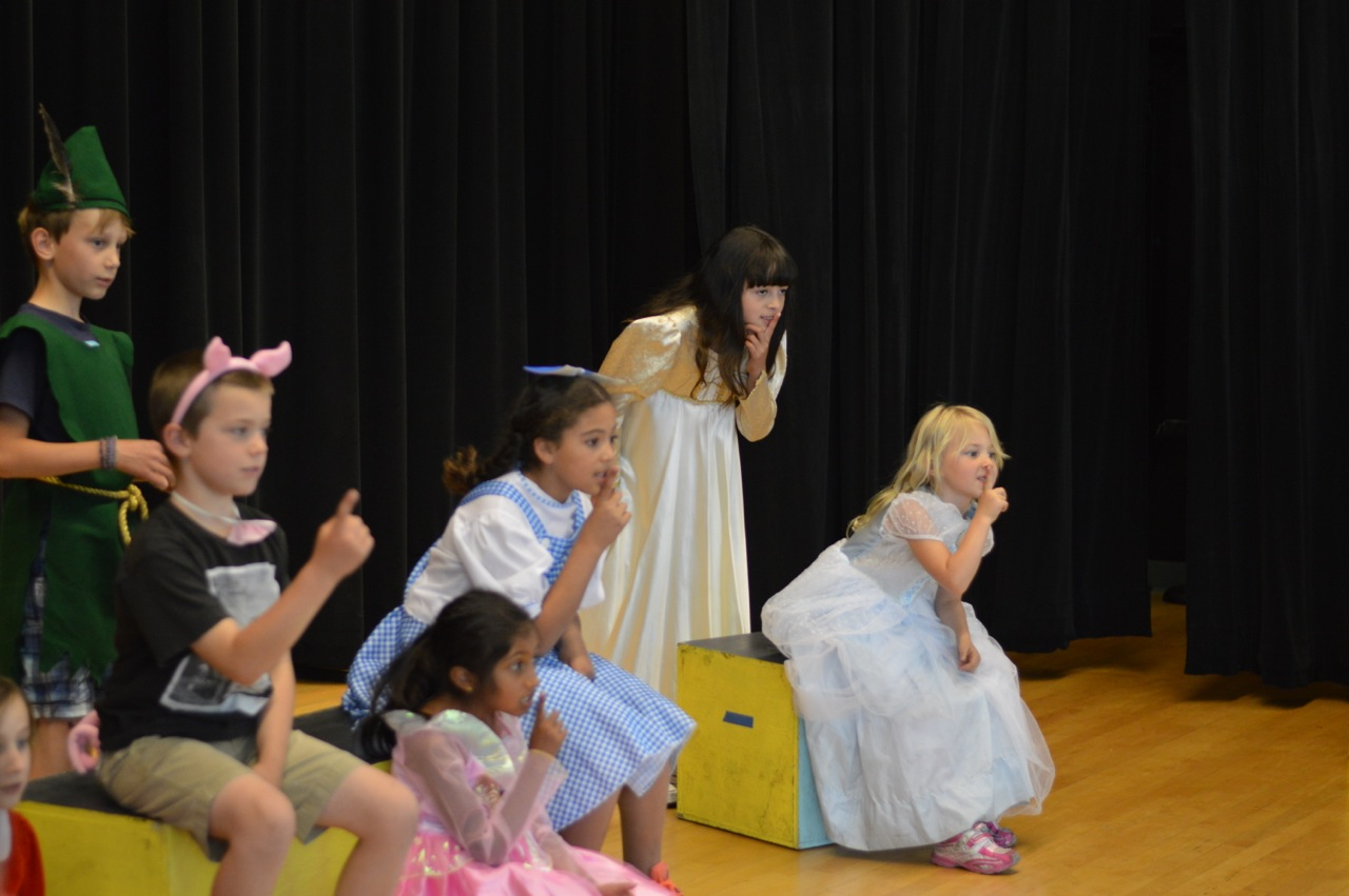 "Musical Play: ""Goldilocks and the Three Bears"" - GOLO-PL"