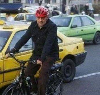 Image result for پیروز حناچی با دوچرخه