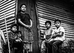 Familia Yoxon by Byron Maldenado