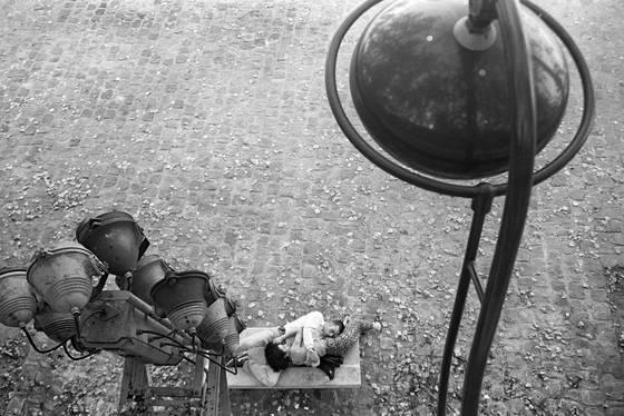 Sleeping by the seine