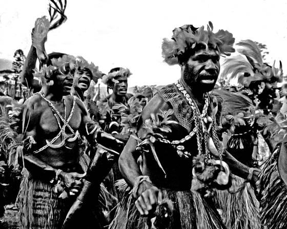 Papua dancers