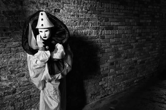 Clown in alley