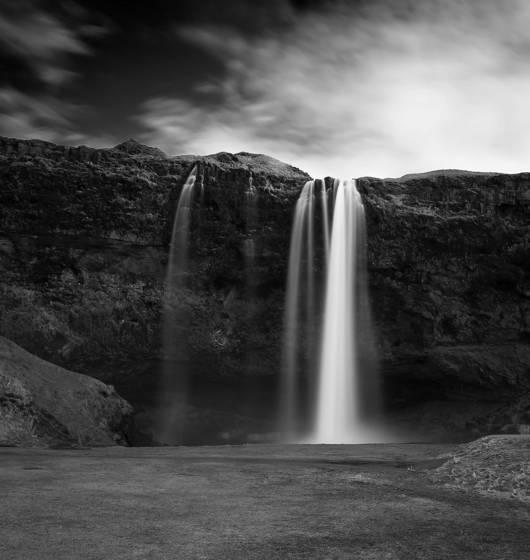 Seljalands waterfall