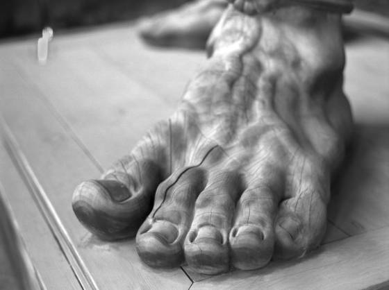 Colossal foot