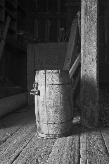Barn barrel