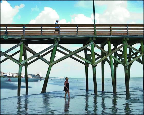 Man woman pier