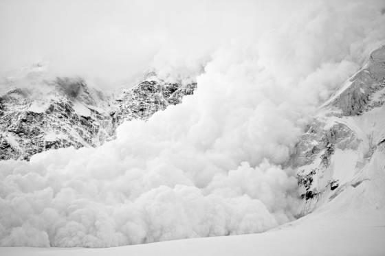 Avalanche off pik pobeda  7439 m