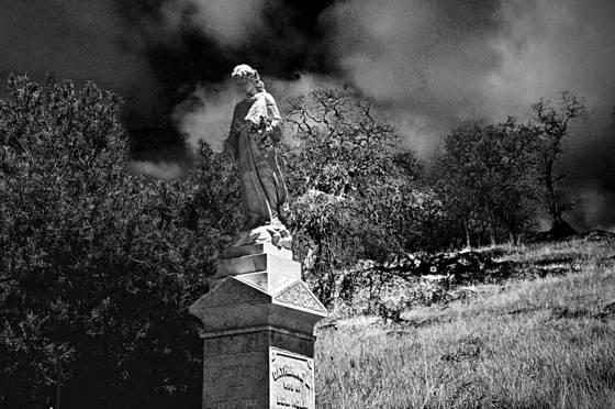Noir mourning