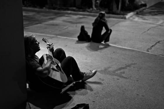 The midnight guitarist