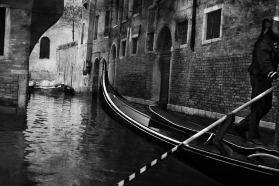 Gondola on canal  2