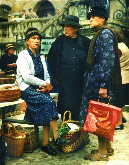 Chatting in the market
