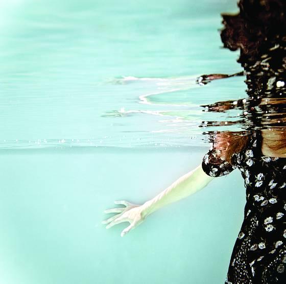 Underwater plate 1