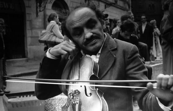 Gypsy violinist