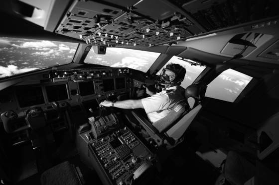 First officer 777