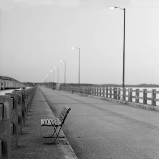Benched bridge