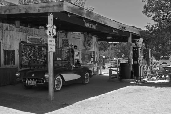 Corvette parking route 66
