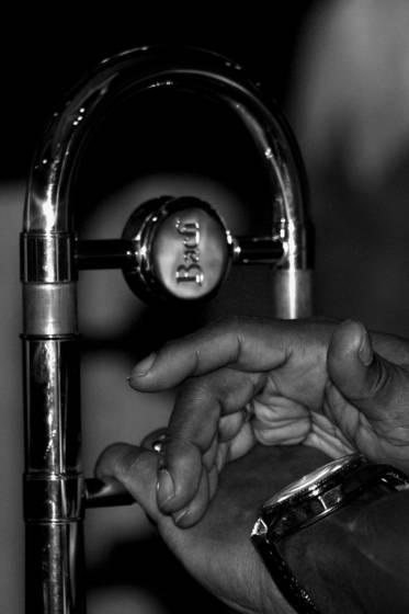 Trombone hand
