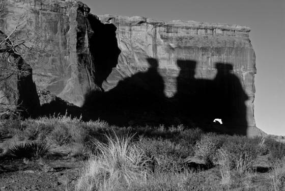 Shadow of the three gossips