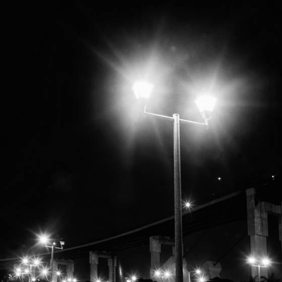 Dance of the bridge lights